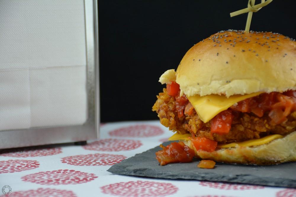 hamburger tenders de poulet et sauce salsa