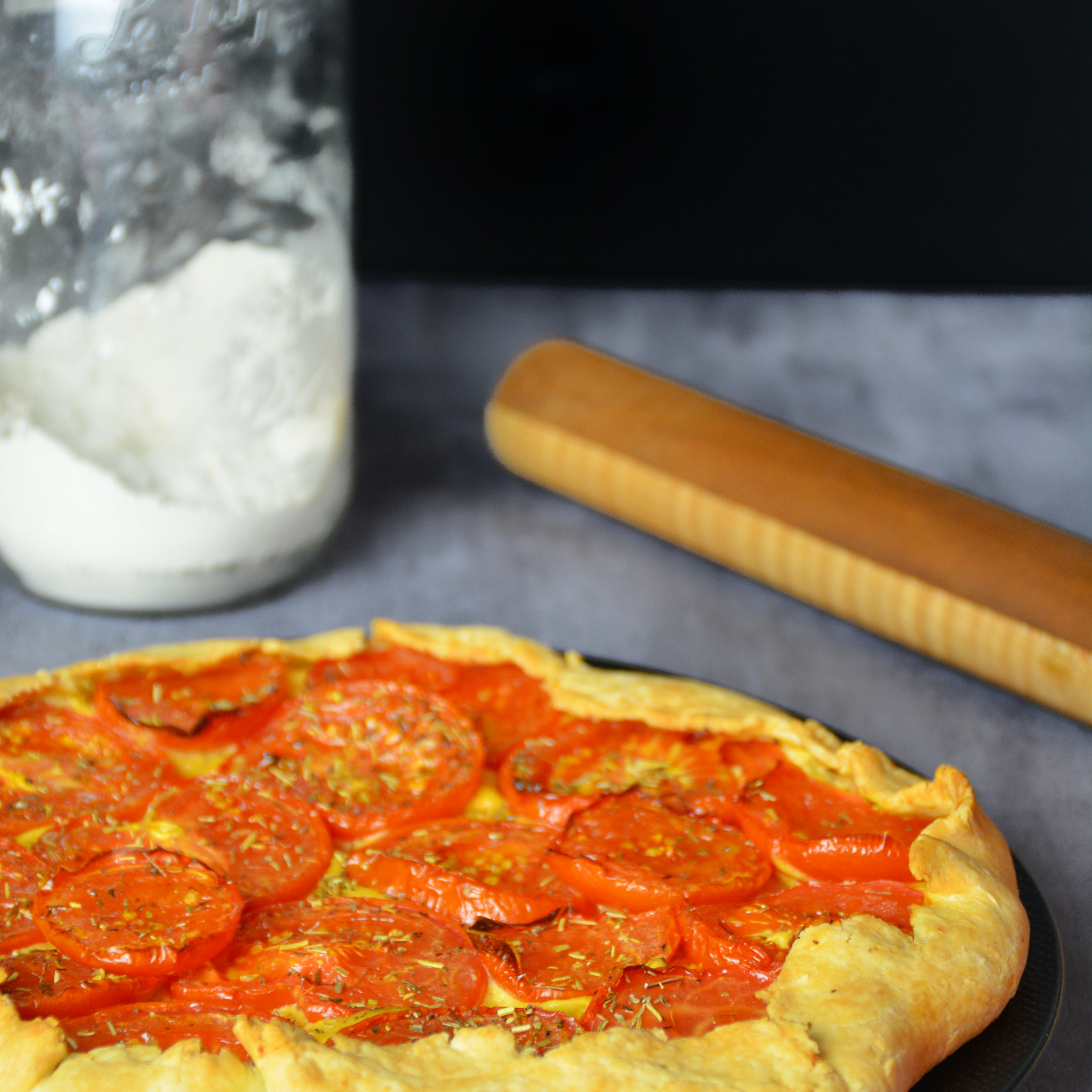 tarte rustique tomate moutarde