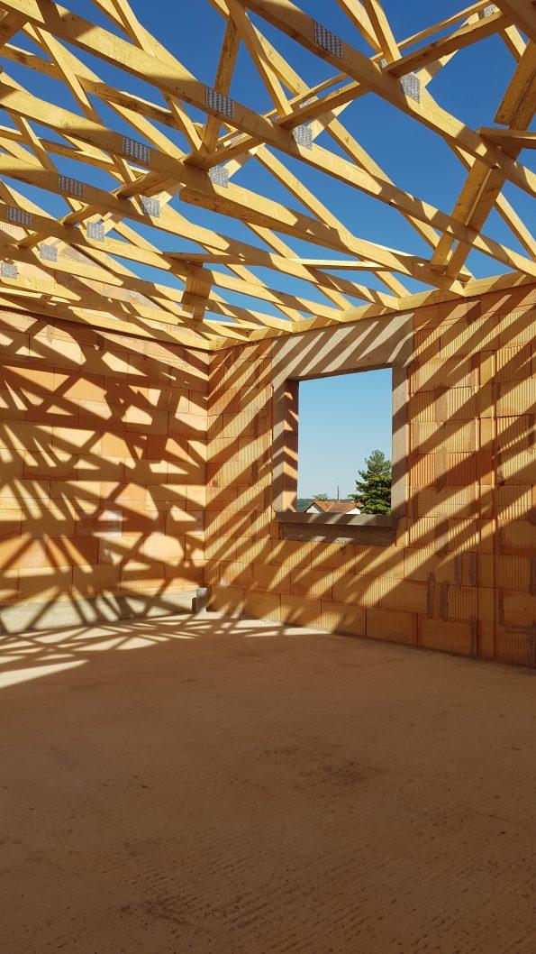 Quel choix faire pour construire sa maison (architecte ou constructeur ?)
